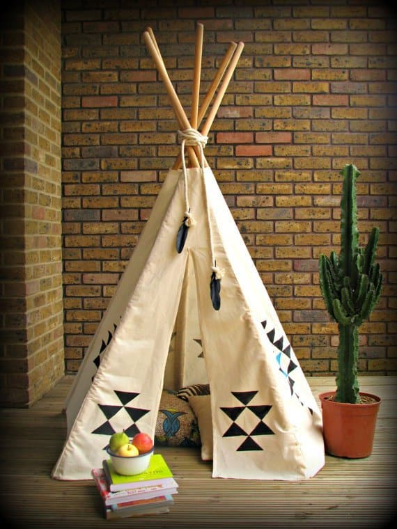 Use a teepee tent as a reading nook