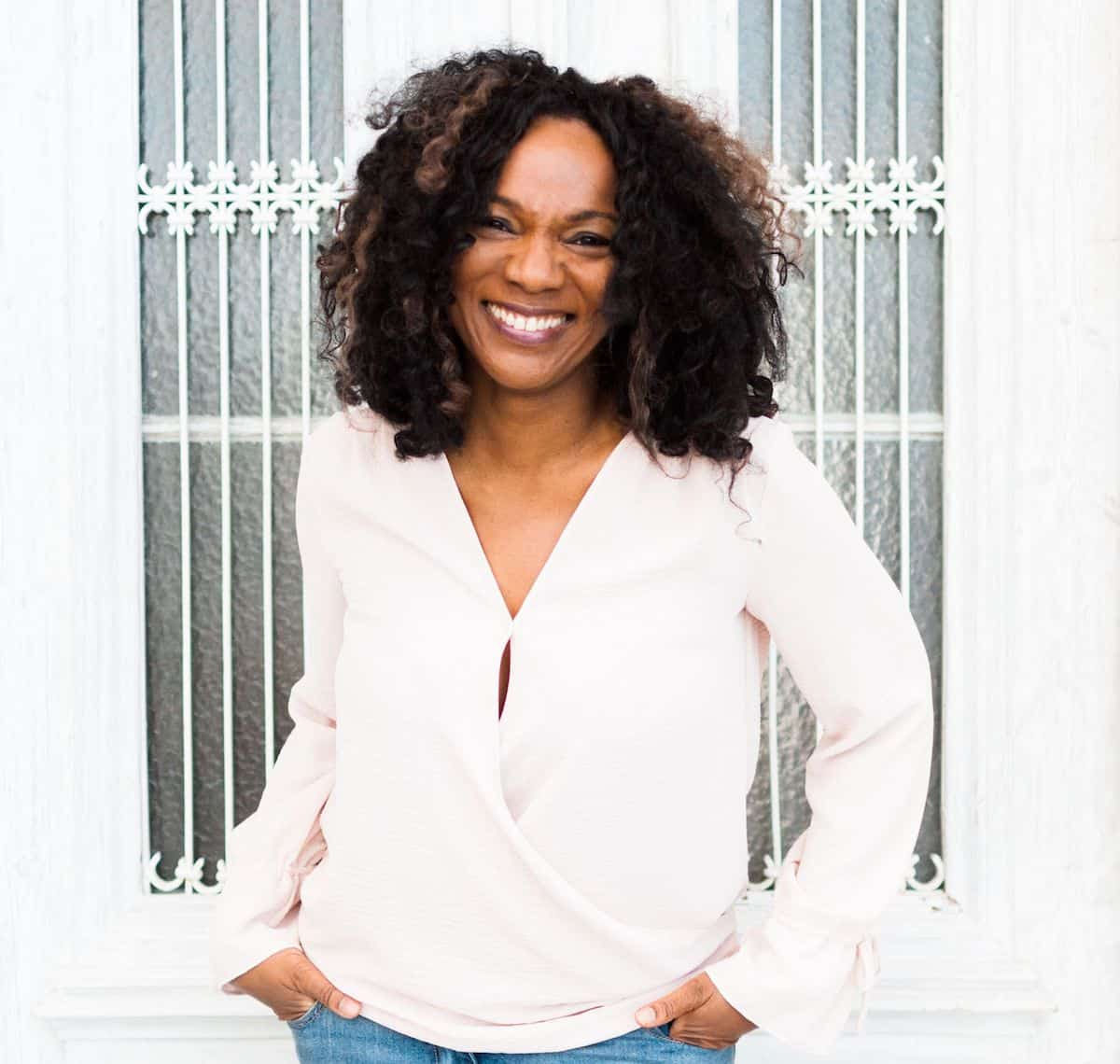 Dr Bunmi Aboaba is a Recovery Coach specialising in Food Addiction