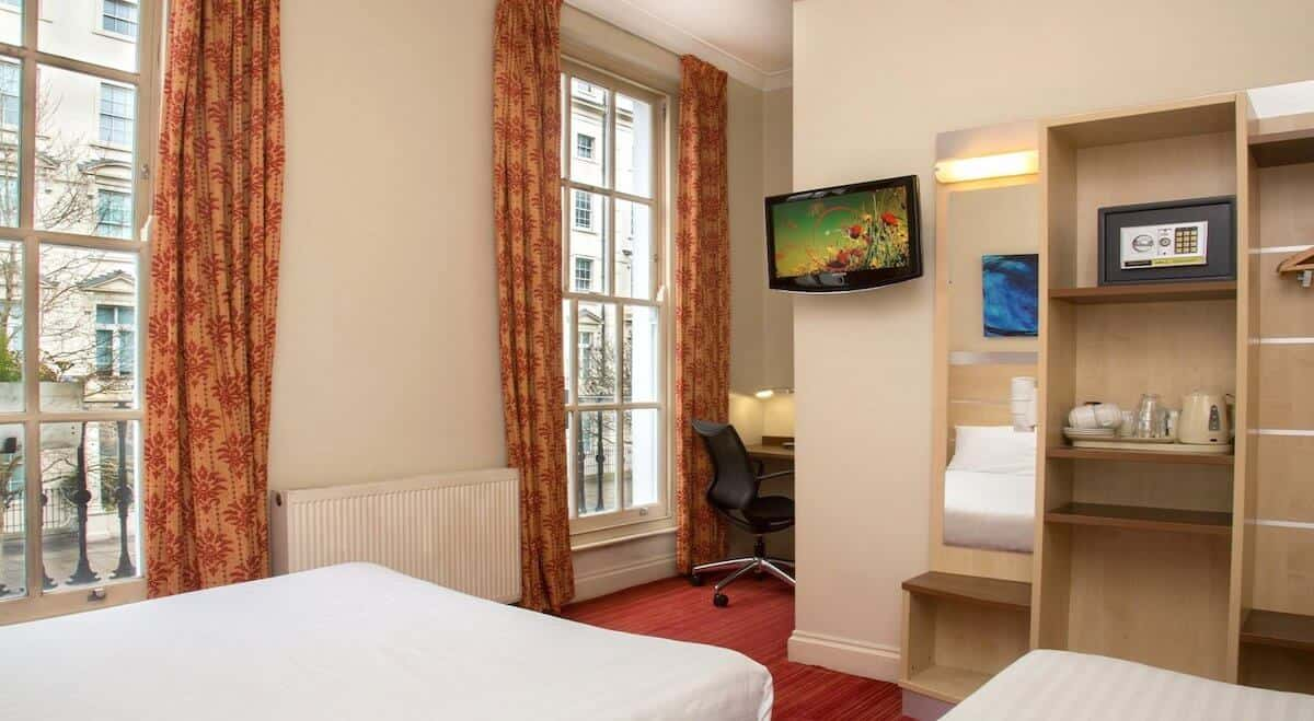 Comfort Inn Victoria family hotel in London