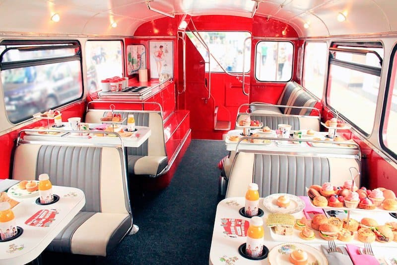 celebrate a special occasion in London abord Bs Bakery Bus