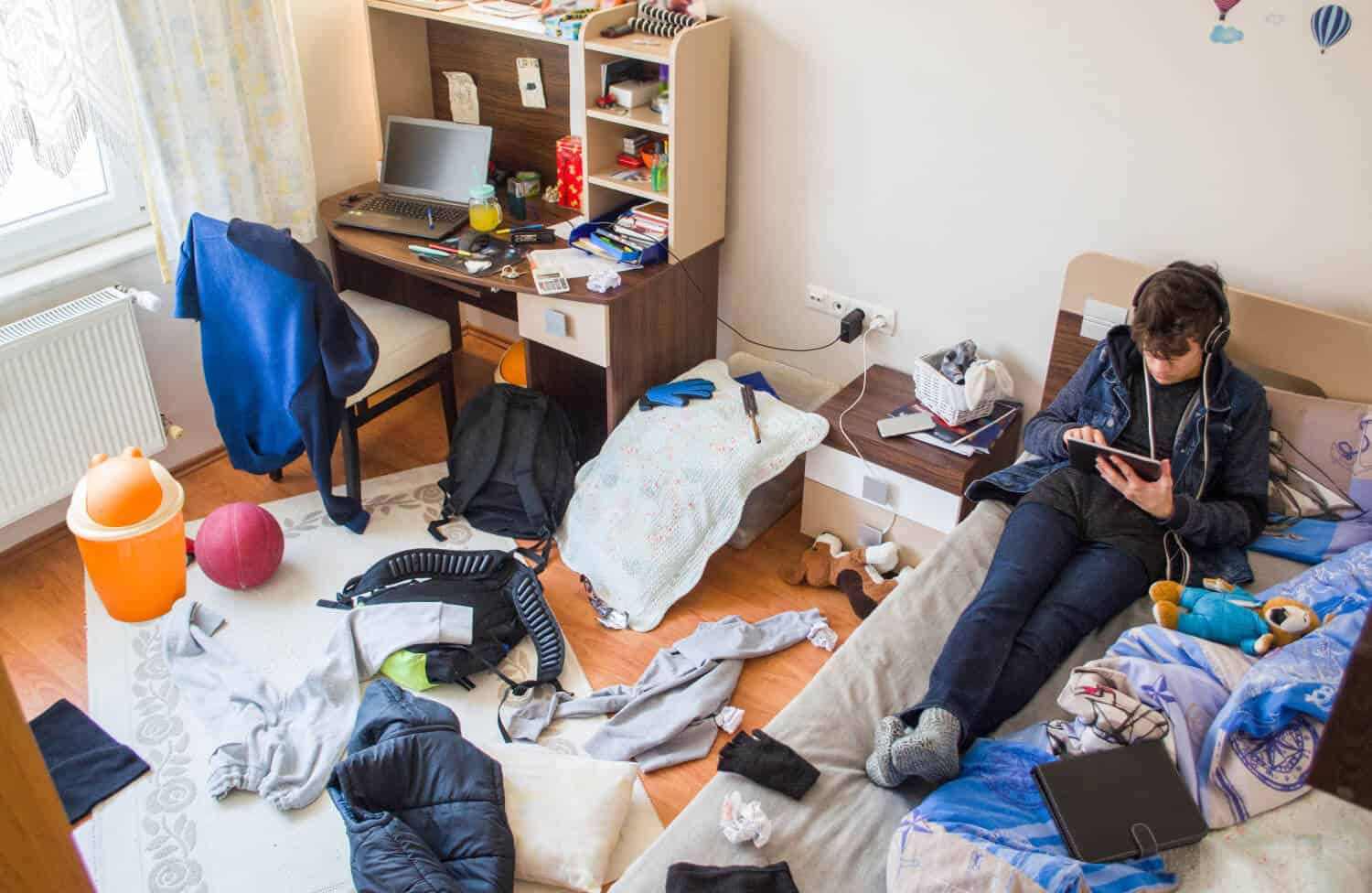 the teenage brain helps explain why their rooms are always a mess